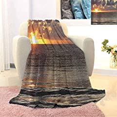 Package include: 1 x blanket              Super soft blanket keeps you warm              This soft fleece blanket is made of high-grade 100% Polyester.The blanket has an ideal weight to keep you warm and feel quite cozy, relaxed and co...