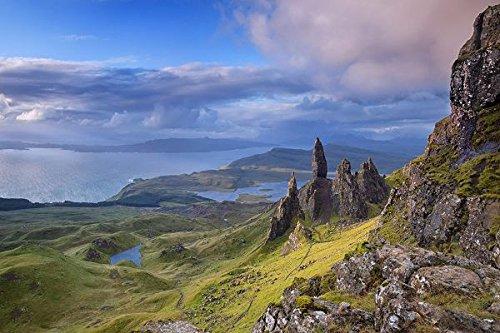 Old man of storr isle of skye scotland - Print on Canvas 40.5 x 27.5inch: (Scotland Nature)