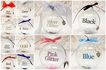 Regalo Precioso Personalizado Especial Bola para Tu /Árbol de Navidad Heart un Mont/ón de Opciones Azul Marino Cinta de Organza J/&R Boutique Parejas Nombre Bola