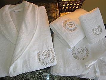 Set composto da accappatoio e teli da bagno con scritta personalizzata oro/argento, edizione hotel 5 stelle., 100% cotone, Embroidery Gold, Bathrobe S Maria Teixeira e Andrade Lda