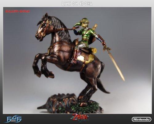 (Legend of Zelda Zelda Link On Epona Exclusive Statue)