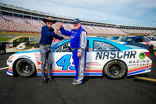 (NASCAR Rookie Driving Experience at Daytona International Speedway with NASCAR Racing Experience )