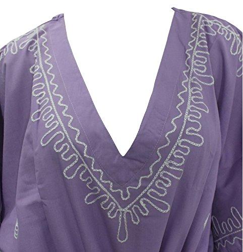 La Leela designer travail de dentelle brodée, plus la taille à long caftan violet
