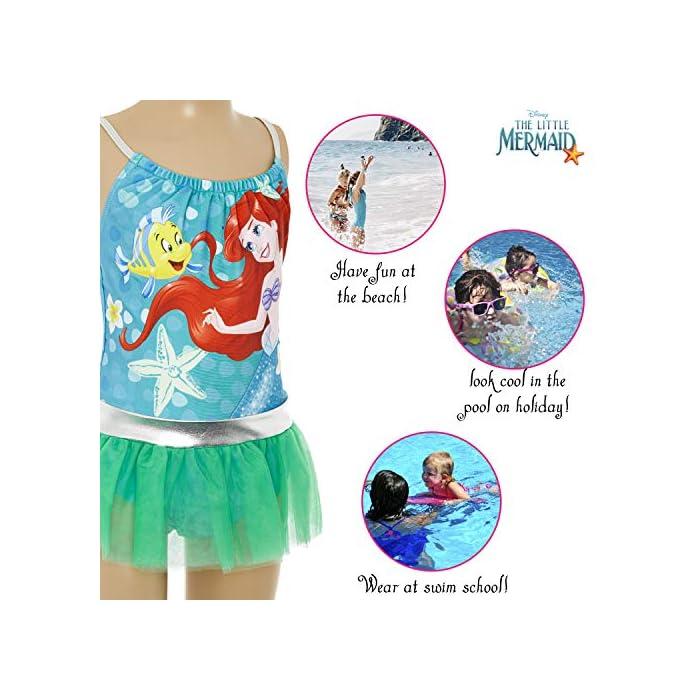 51n 8244m4L ? TRAJE DE BAÑO DE LAS PRINCESAS DISNEY --- Estos bonitos trajes de baño de las princesas Disney nos presenta a los personajes más populares de las famosas películas: La sirenita Ariel, Cinderella, Jasmine, Rapunzel, Blancanieves, Pocahontas, Bella, Mulan, Tiana y Mérida. Nuestro traje de baño para niñas está disponible en 2 diseños diferentes y en una amplia gama de tallas. ? 2 DISEÑOS PARA ELEGIR --- Nuestros trajes de baño para niñas están disponibles en 2 diseños, cada uno con detalles con volantes y tirantes finos. Elige entre nuestro traje de baño de la sirenita Ariel en color verde esmeralda o nuestro traje de baño con todas las princesas Disney en color rosa. Mezcla de poliéster