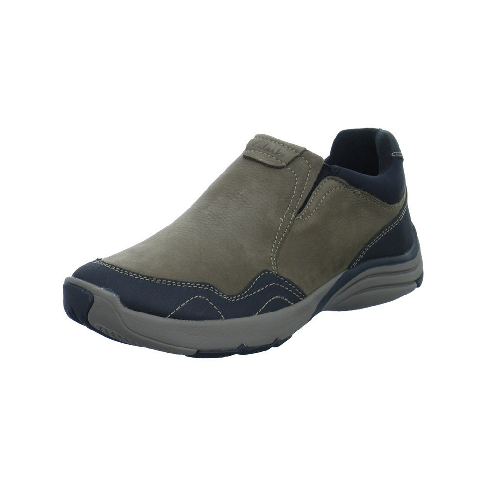 CLARKS Wave Travel - 261204477 - Color Brown - Size: 9.0