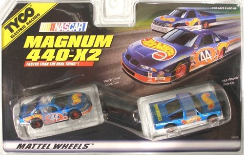 Nascar Racing Slot Car (#34018 Tyco Electric Racing Nascar Magnum 440-X2 Nascar Hot Wheels Stock Car and Pick-up Slot Cars)