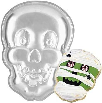Wilton Smiling Skull Vampire Ghoul Cake Pan 2105-2057, 2001