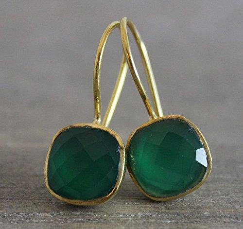 Green Earrings Onyx (Cushion Cut Green Onyx Gemstone Gold Plated Earwires Earrings)