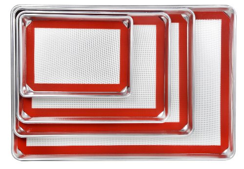 """New star foodservice 38422 commercial-grade 18-gauge aluminum sheet pan/bun pan & silicone baking mat set, 9"""" l x 13"""" w x 1"""" h (quarter size) 4 quality- commercial grade, 18-gauge bakeware is made of pure aluminum which will never rust for a lifetime of durability. Durability- wire reinforced beaded rim helps prevent warping. Baked goods rise and bake evenly due to aluminum's superior heat conductivity. Multi use- more than a sheet pan, use for your cinnamon rolls, sticky buns, yeast rolls, brownies, corn bread, cookies and fruit cobblers."""