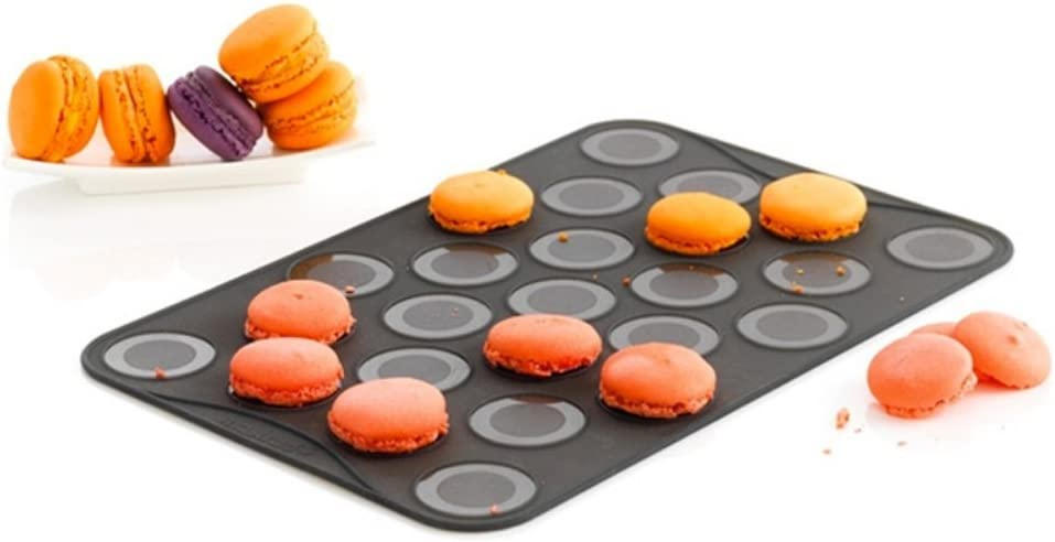 Mastrad - Macaron Baking Sheet - Set of 2 Silicone Cookie Sheet With 25 Small Ridges And Filling Marks - Dishwasher Safer and High Heat Resistant