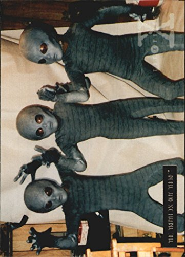 X Files Costumes (1996 X-Files Season Two Foil #47 Costume check for three of the 4 - NM-MT)