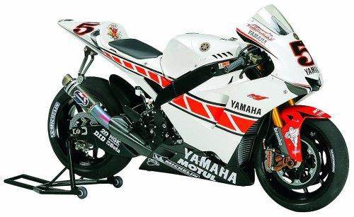 タミヤ 1/12 オートバイシリーズ No.105 ヤマハ YZR-M1 50th アニバーサリー バレンシアエディション プラモデル 14105