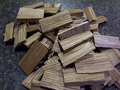 (One Pound of White Oak Wood Chips for Aging Wine, Beer, Whiskey, and Other Spirits!)