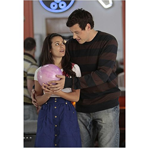 Glee (TV Series 2009 - 2015) 8 inch by 10 inch PHOTOGRAPH Cory Monteith from Knees Up Teaching Lea Michele to Bowl kn ()