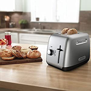 Kitchenaid RKMT2115CU 2-Slice Toaster with Manual High-Lift Lever. (Refurbished)