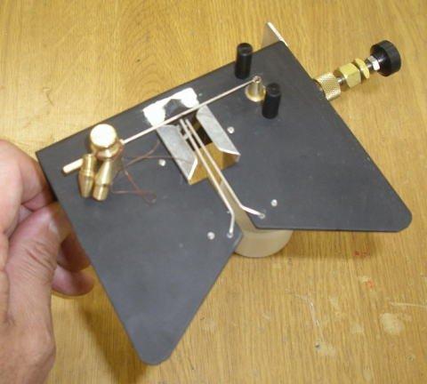 オリジナル ハエポンプ ハエ釣用エサ付けポンプ プッシュ式システム (自動えさ付け器)   B015UTCHOM