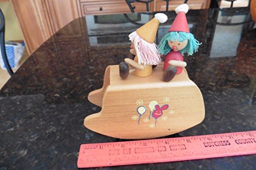 Vintage wooden toy music wind Danimals Japan someday my prince will come clowns from Genric
