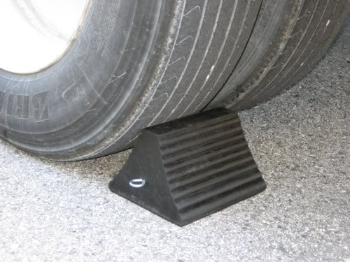 Wheel Chock,Rubber 10x8x6 by Buyers Products (Image #2)