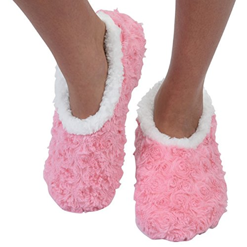 Snoozies Womens Bed Of Roses Cozy Sherpa Fleece Non Skid Slipper Socks - Pink, Medium