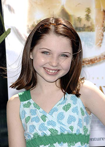 Posterazzi Poster Print Sammi Hanratty at Arrivals for Premiere of Nim'S Island Grauman'S Chinese Theatre Los Angeles Ca March 30 2008. Photo by Michael GermanaEverett Collection Celebrity (16 x 20)