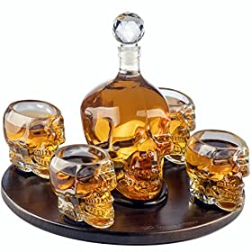 The Wine Savant Large Skull Face Decanter with 4 Skull Shot Glasses and Beautiful Wooden Base – By Use Skull Head Cup For A Whiskey, Scotch and Vodka Shot Glass, 25 Ounce Decanter 3 Ounces Shot Glass