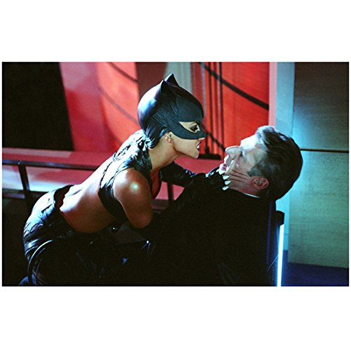 Catwoman (2004) 8 inch by 10 inch PHOTOGRAPH Halle Berry from Thighs Up Straddling Lambert Wilson in Chair kn ()