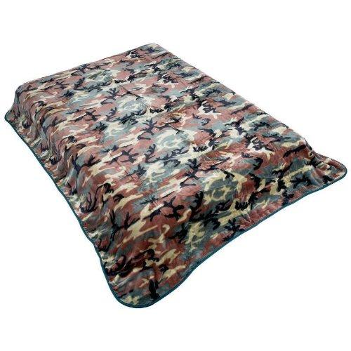 Wyndham House Camo Blanket Pattern