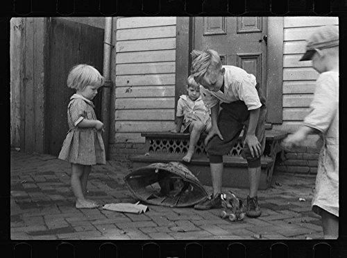 White children playing in Georgetown, Washington, D.C.