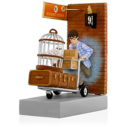 Hallmark Keepsake Ornament 2015 Harry Potter Platform 9 3/4
