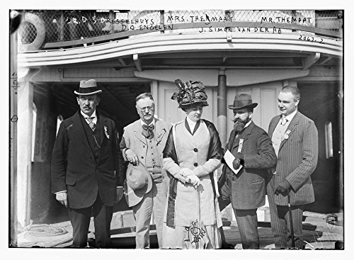 1900 Photo Dr. D.S. Resselhuys, Mrs. Themaat, Mr. Themaat, D.O. Engelen, J. Simon Vanderaa