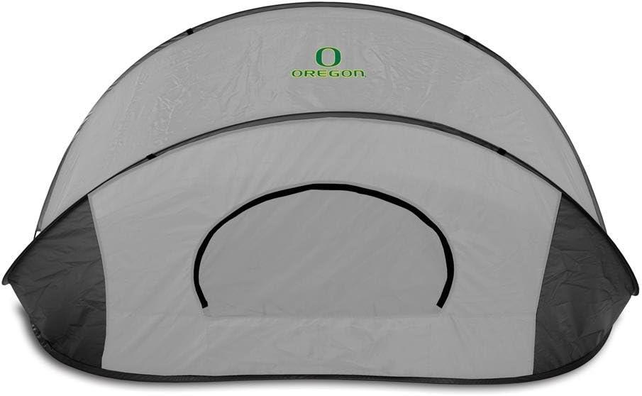 ONIVA Gray with Black Accents a Picnic Time brand Oregon Ducks Manta Portable Beach Tent,