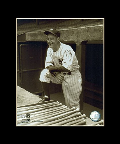 Lou Gehrig - New York Yankees Matted 8x10 Licensed Photograph in 11x14 Black Mat - Legendary Photos (Lou Gehrig New York Yankees)