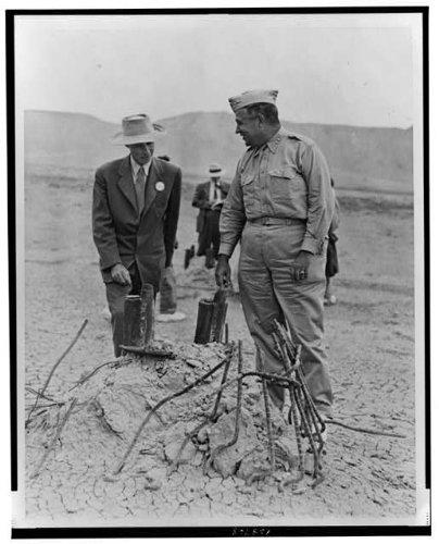 Photo  General Leslie Groves Dr  J  Robert Oppenheimer Test Atomic Bomb Alamogordo Nm