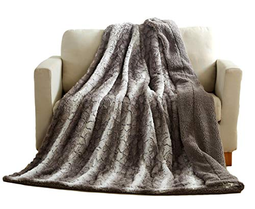 Tache 63 X 87 Inch Grey Snow Giraffe Super Soft Warm Embossed Faux Fur with Sherpa Back Throw Blanket]()
