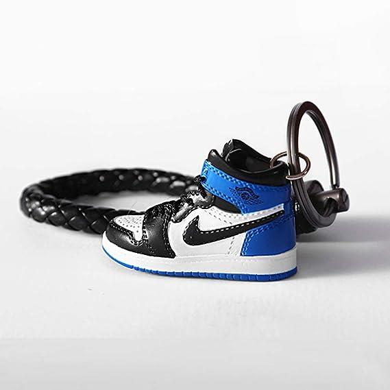 Amazon.com: Moda Mini Sneaker 3D Llavero Figura AJ1-20 【1:6 ...