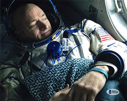 SCOTT KELLY SIGNED AUTOGRAPHED 8x10 PHOTO ASTRONAUT NASA ENDURANCE BECKETT BAS