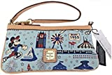 Disney Dooney & Bourke Disneyland Half Marathon 2016 Wristlet Purse Bag
