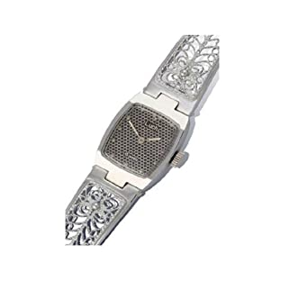 0776cc26ac2 Amazon.com  Lady s Women Wrist Wind up Watch  Watches