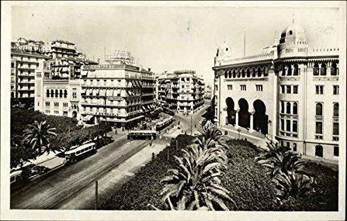 carrefour-de-la-rue-disly-algiers-algeria-original-vintage-postcard