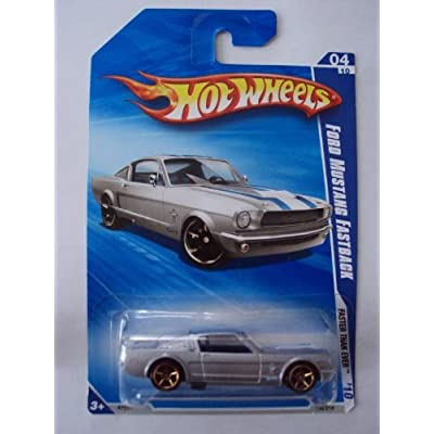 Hot Wheels Ford Mustang Fastback Silver 2010-004: Toys & Games