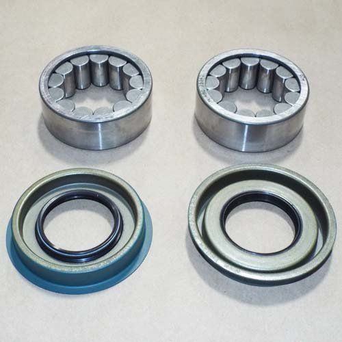 Motive Gear Bearing (Motive Gear Performance Differential KIT 513067 Motive Gear-Axle Bearing and Seal Kit Axle Bearing and Seal Kit)