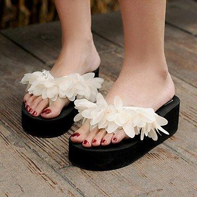 Women'szapatos de plataforma de tela Flip Flops Sandals exteriores / vestimenta casual / Negro / Almendra US6 / EU36 / UK4 / CN36