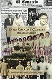 img - for Entre ortigas y claveles - Relatos  ntimos (Spanish Edition) book / textbook / text book