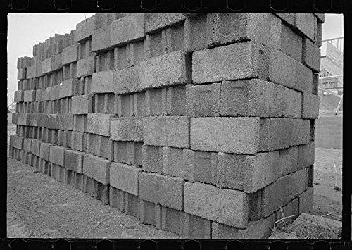 photo-cinder-block-used-for-buildinggreenbeltmarylandmdresettlement-administration