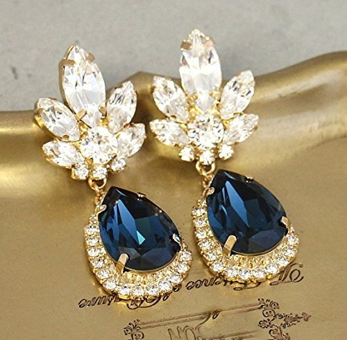 b8be030180fcc Amazon.com: Bridal Blue Navy and White Chandelier Dangle Earrings ...
