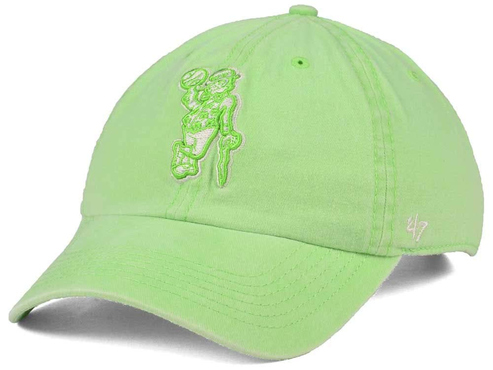 buy online 8ad3b 3f9e3 Amazon.com    47 Boston Celtics Light Green Clean Up Adjustable Baseball Cap  - NBA, One Size, Relaxed Fit Dad Hat   Clothing