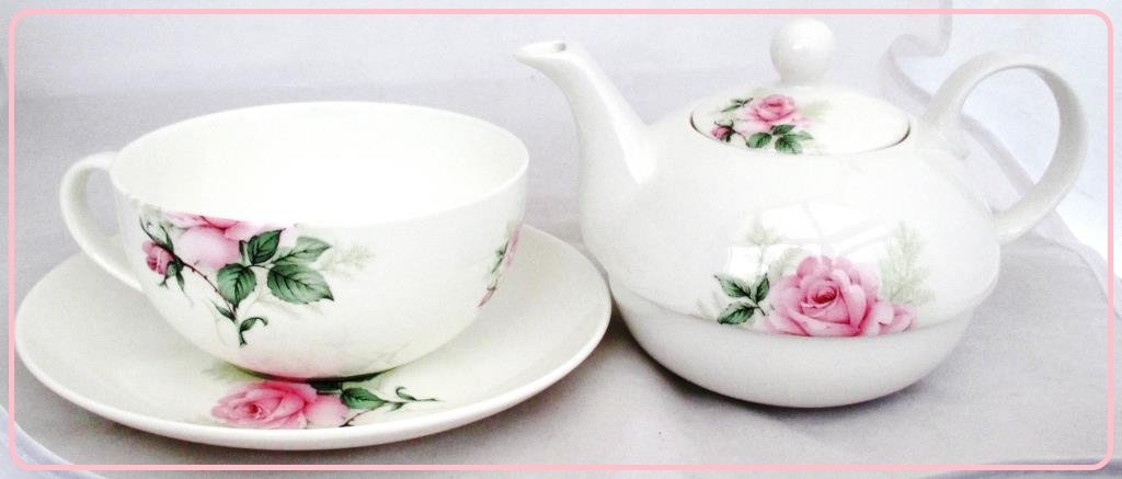 Majestic Rose Tea For One Set Fine Bone China Hand Decorated in the UK Free UK Delivery