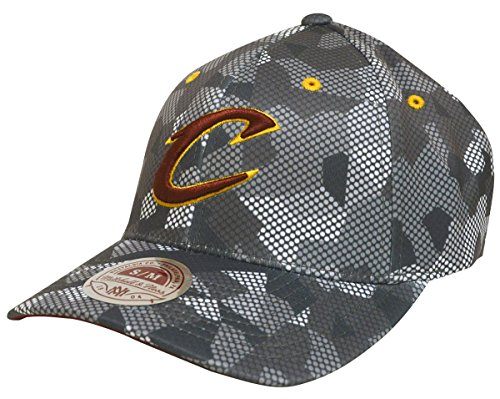 12a16e4d017a0 Cleveland Cavaliers Camouflage Hats at Amazon.com. Amazon.com. Mitchell   Ness  NBA ...