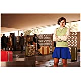 Mad Men Elizabeth Moss Peggy Olson Standing In Airport 8 x 10 Photo