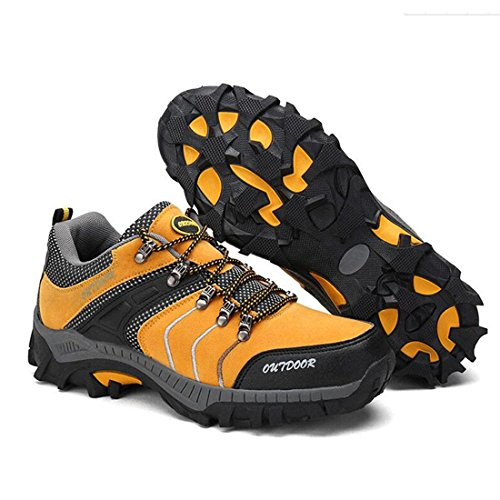Der Sport der freien Männer beschuht beiläufige Schuhe, die im Freien rutschfeste Schuhe wandern yellow